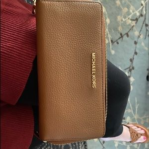 Mk pebble leather wallet